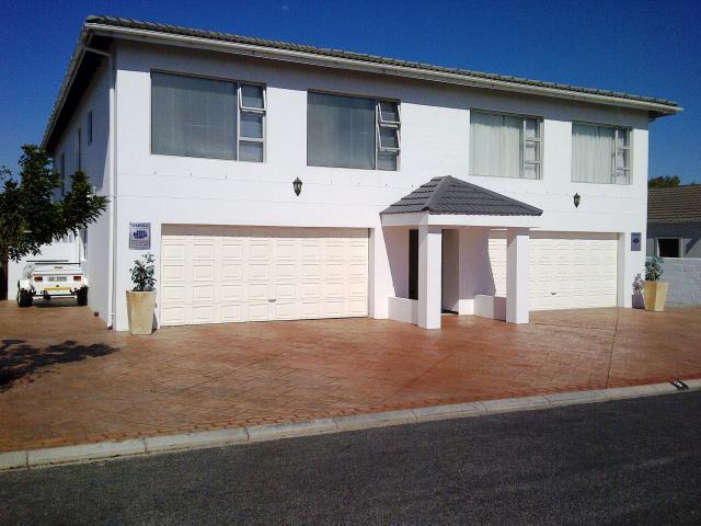 Langebaan, Country Club Property  | Houses For Sale Country Club, Country Club, House 8 bedrooms property for sale Price:2,800,000
