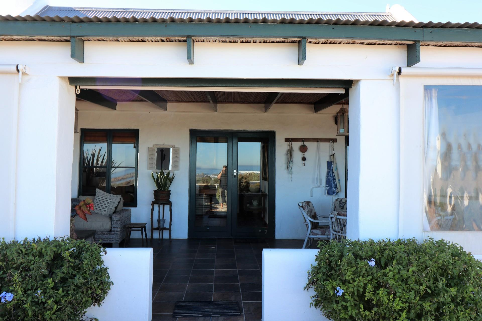 Jacobsbaai property for sale. Ref No: 13490444. Picture no 13