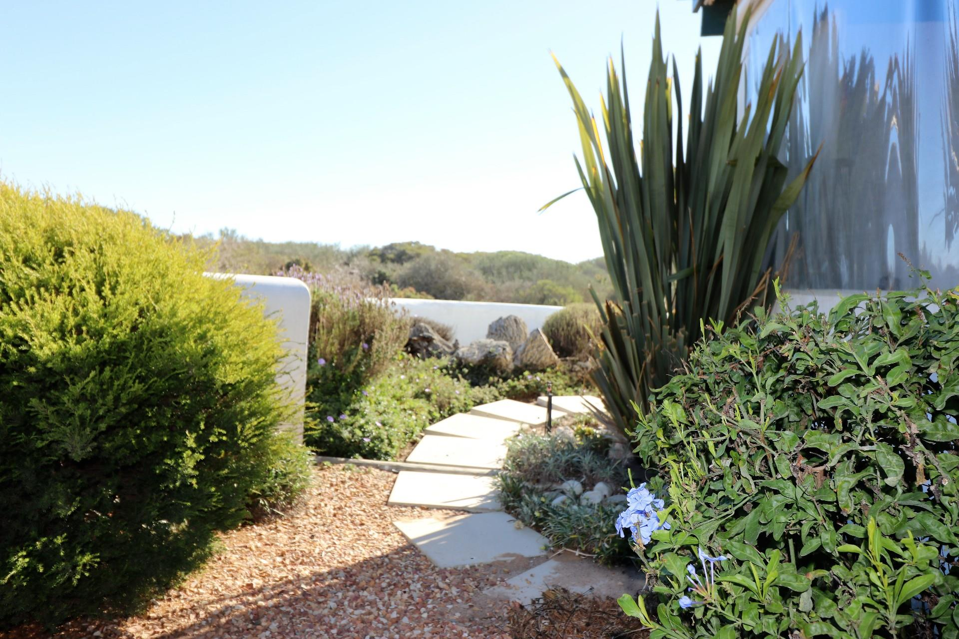 Jacobsbaai property for sale. Ref No: 13490444. Picture no 14