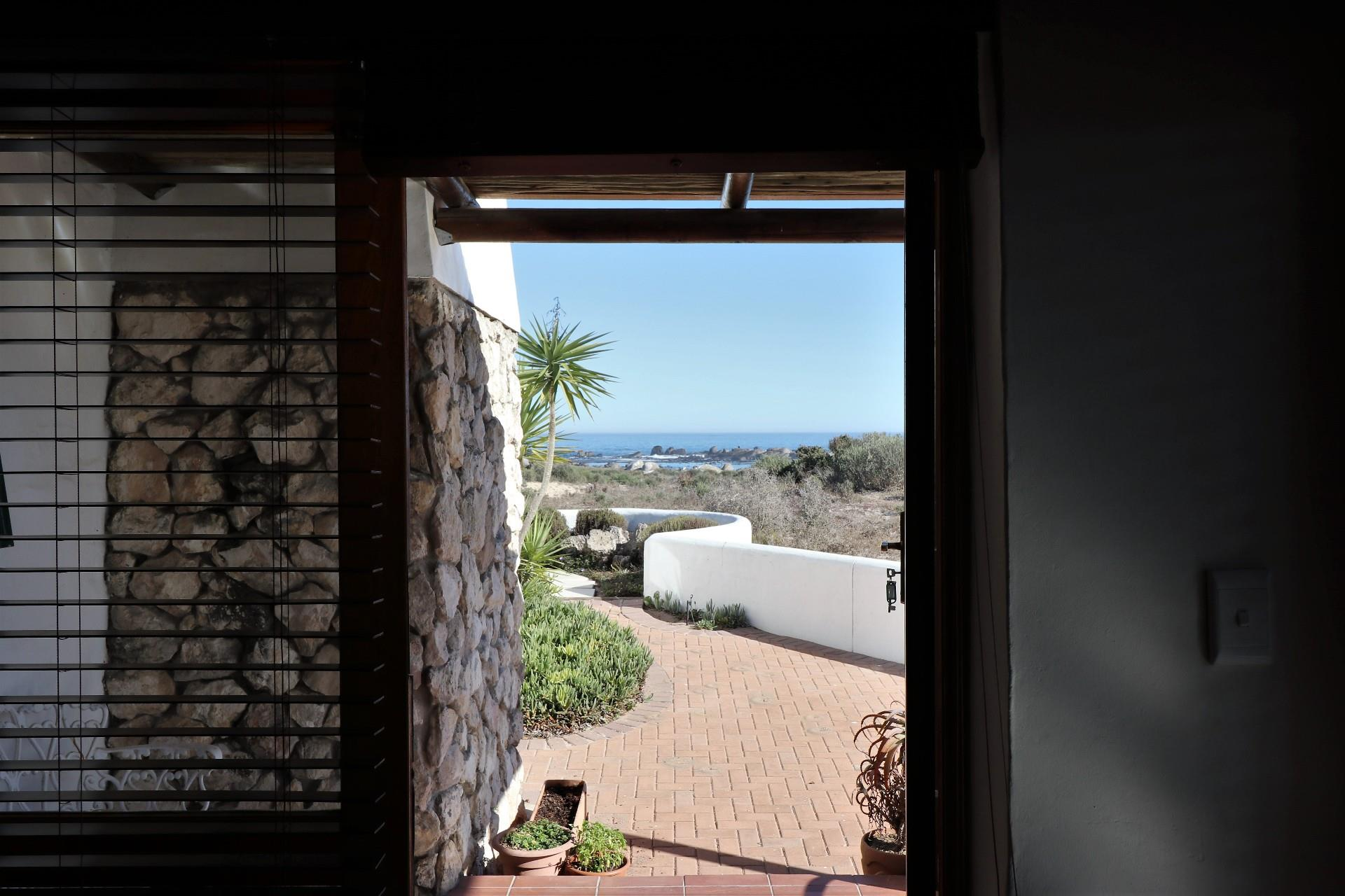 Jacobsbaai property for sale. Ref No: 13490444. Picture no 22