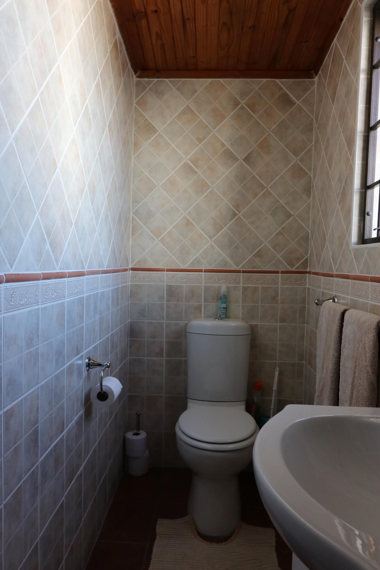 Jacobsbaai property for sale. Ref No: 13490444. Picture no 31