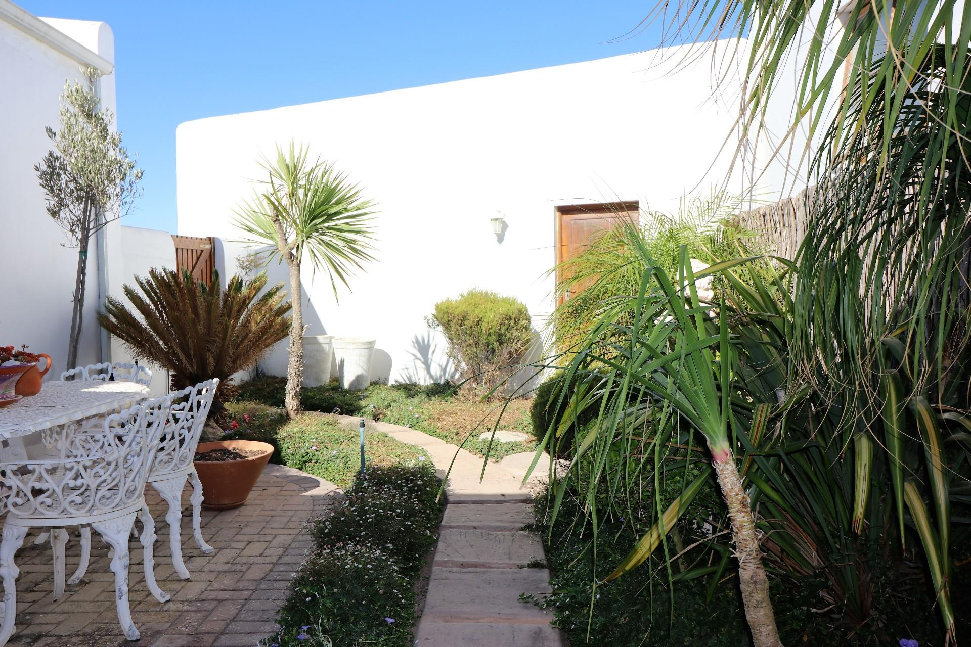 Jacobsbaai property for sale. Ref No: 13490444. Picture no 36