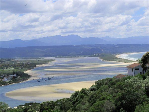 Plettenberg Bay, Bowtie Property  | Houses For Sale Bowtie, Bowtie, House 4 bedrooms property for sale Price:5,950,000