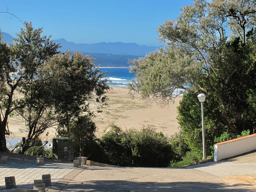Lookout Beach property for sale. Ref No: 13489691. Picture no 14