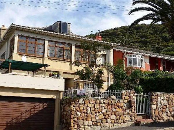 Kalk Bay property for sale. Ref No: 13445982. Picture no 2