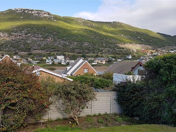 Glencairn Heights property for sale. Ref No: 13445997. Picture no 10