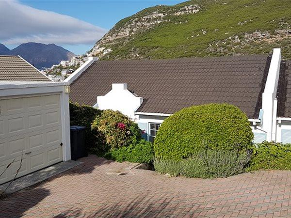 Glencairn Heights property for sale. Ref No: 13445997. Picture no 12