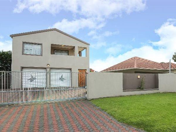 Cape Town, Plumstead Property    Houses For Sale Plumstead, Plumstead, House 5 bedrooms property for sale Price:3,190,000