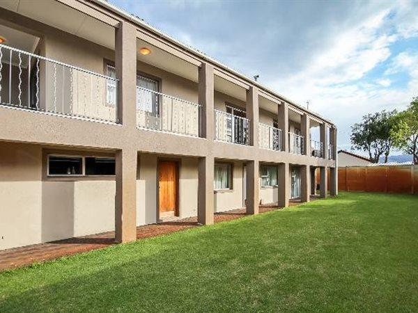 Cape Town, Plumstead Property  | Houses For Sale Plumstead, Plumstead, House 5 bedrooms property for sale Price:3,190,000