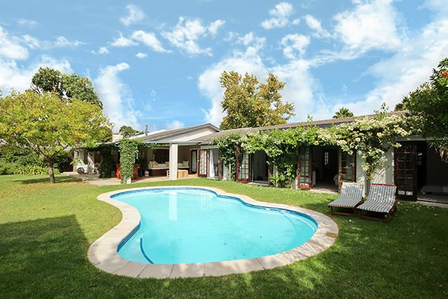 Cape Town, Constantia Property    Houses For Sale Constantia, Constantia, House 4 bedrooms property for sale Price:7,200,000