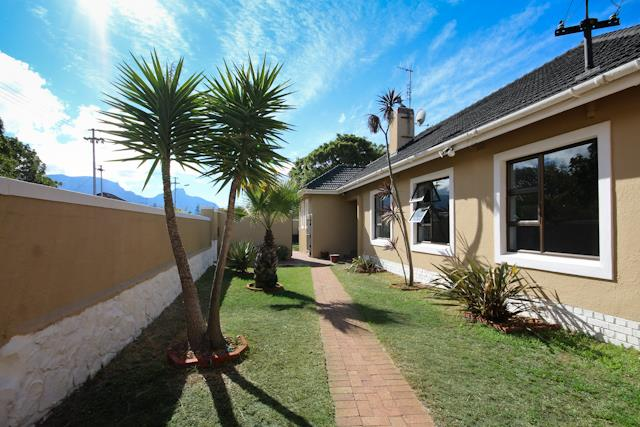 Cape Town, Plumstead Property  | Houses For Sale Plumstead, Plumstead, House 3 bedrooms property for sale Price:2,695,000