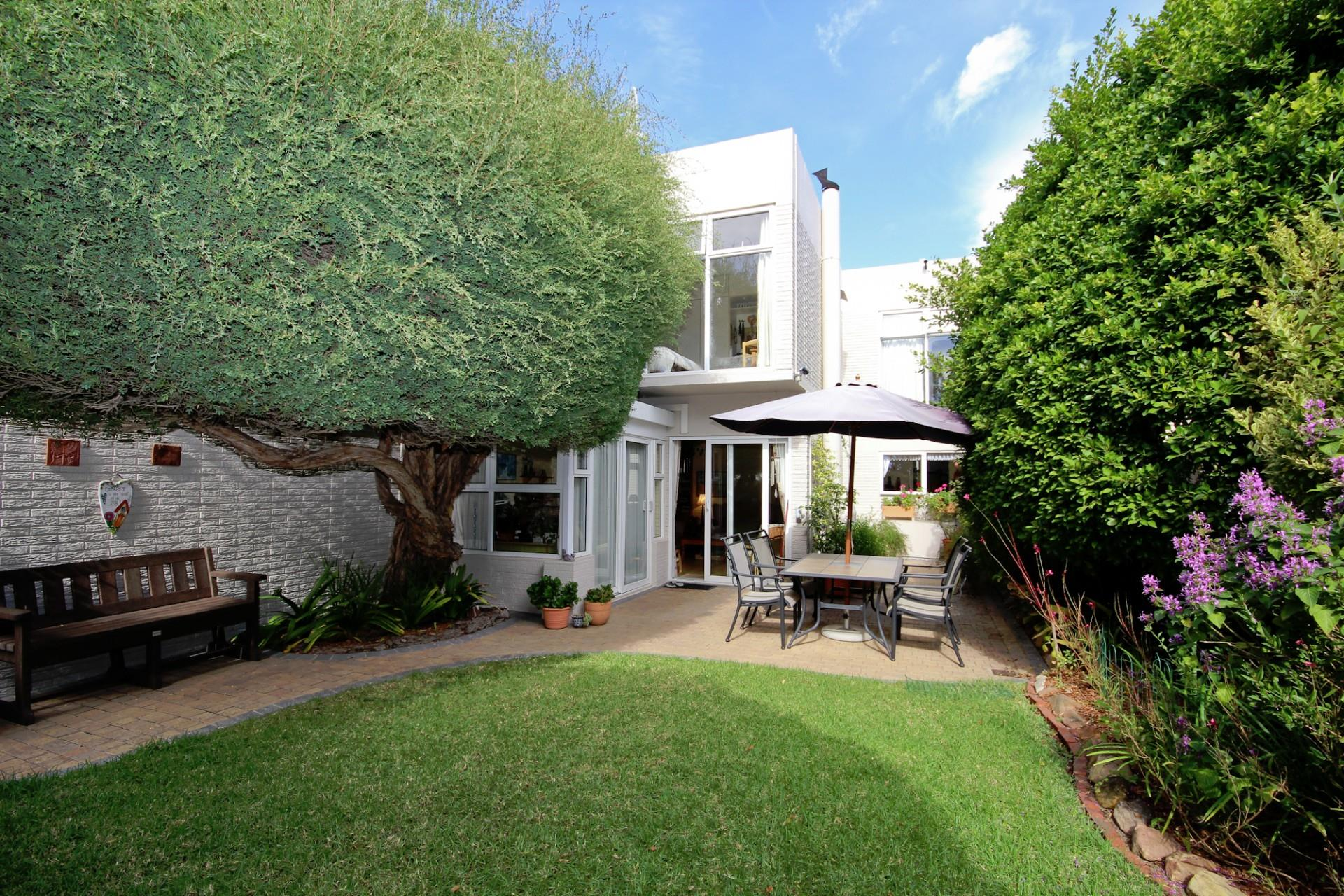 Tokai, Townhouse 3 bedrooms property for sale Price:3,750,000