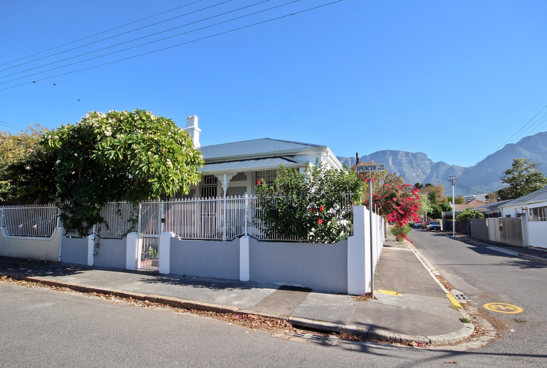 Cape Town, Claremont Property  | Houses For Sale Claremont, Claremont, House 2 bedrooms property for sale Price:2,600,000