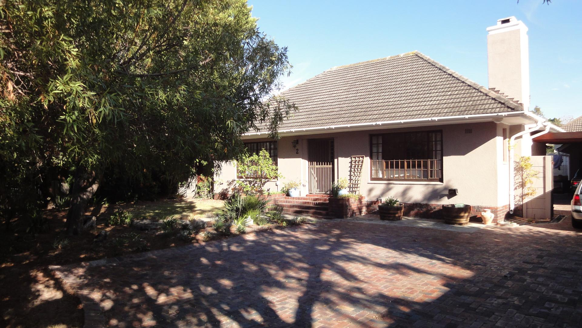 Bergvliet, House 4 bedrooms property for sale Price:3,900,000