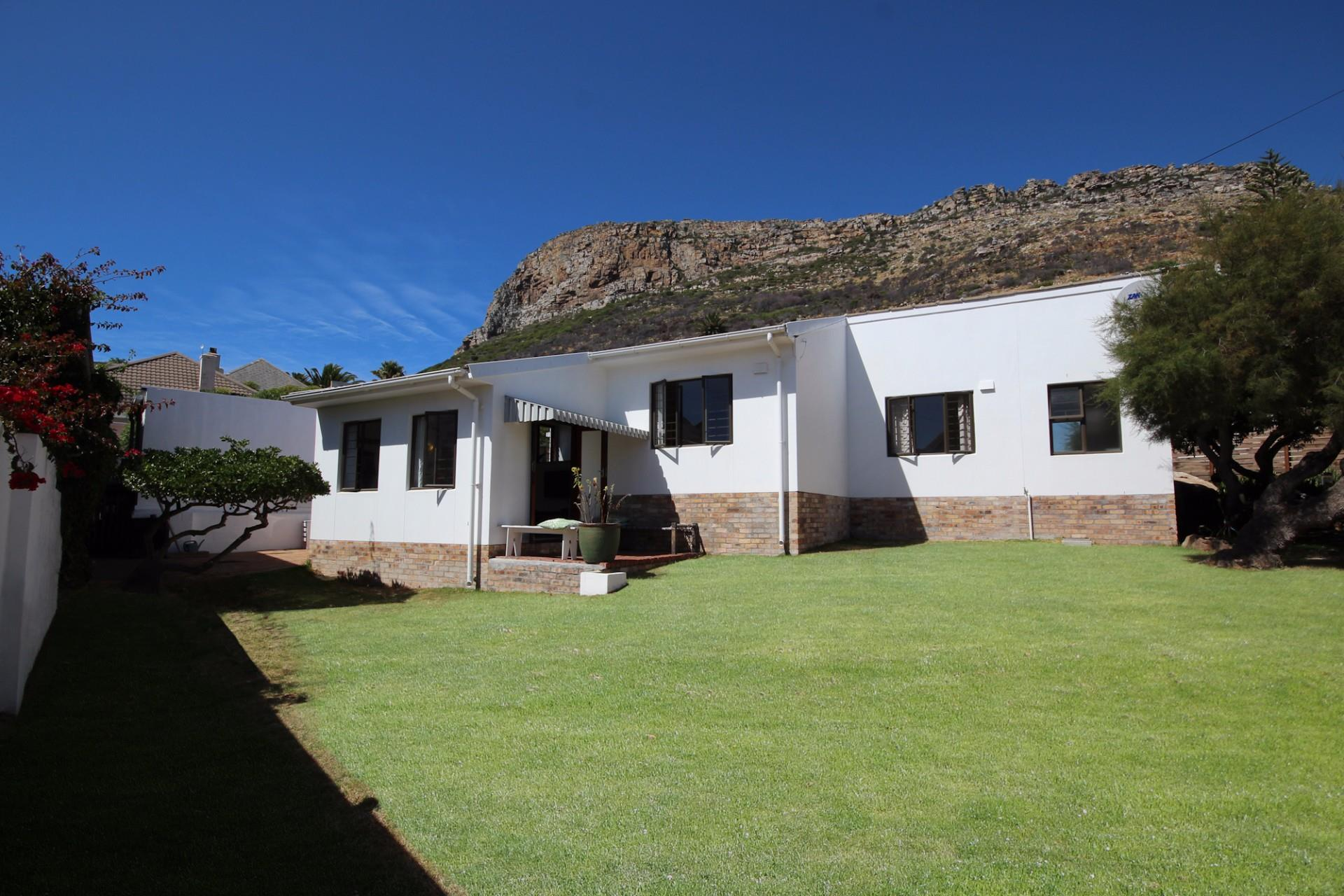 Fish Hoek, House 2 bedrooms property for sale Price:2,850,000