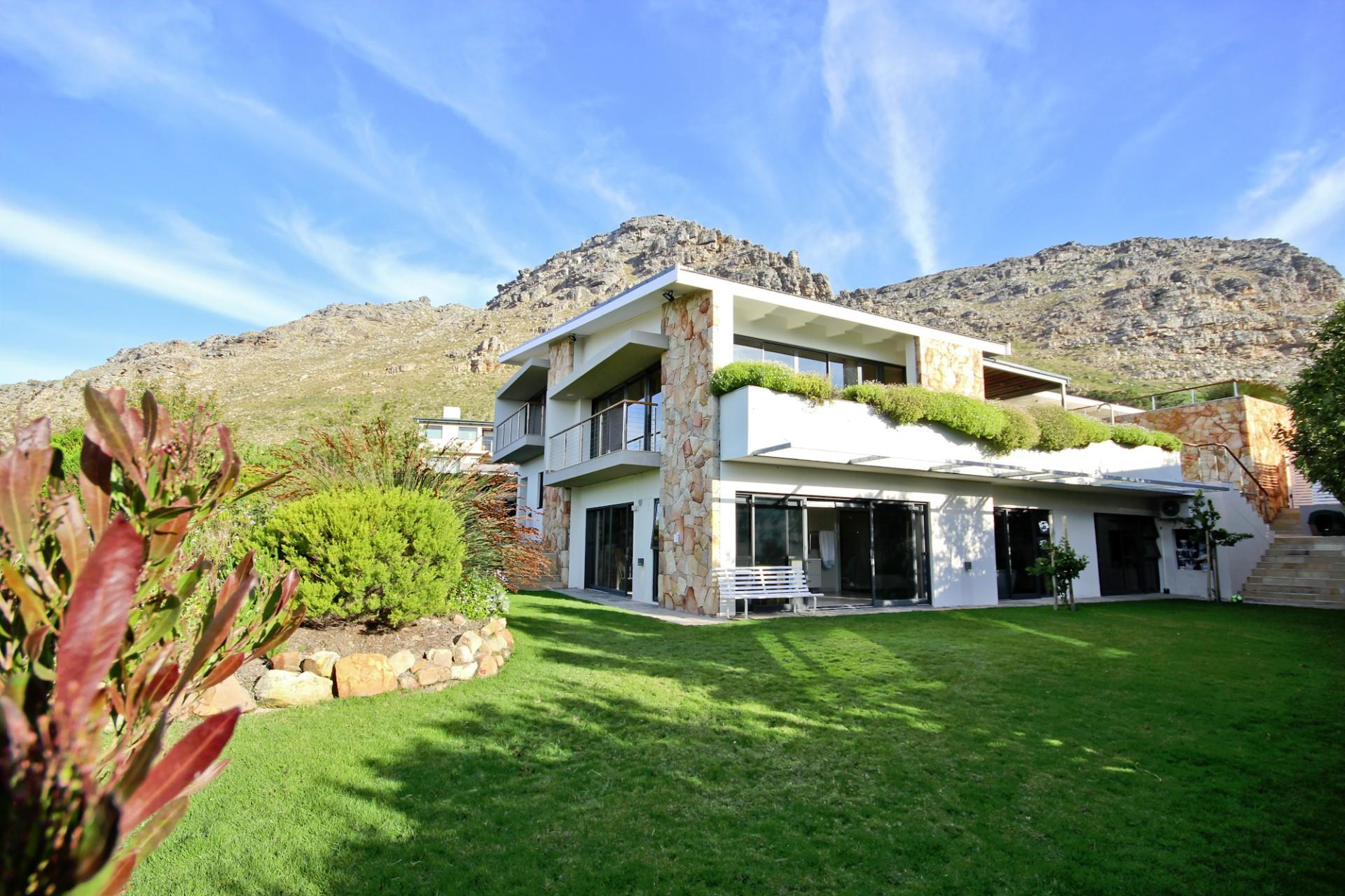 Cape Town, Stonehurst Mountain Estate Property  | Houses For Sale Stonehurst Mountain Estate, Stonehurst Mountain Estate, House 5 bedrooms property for sale Price:11,995,000