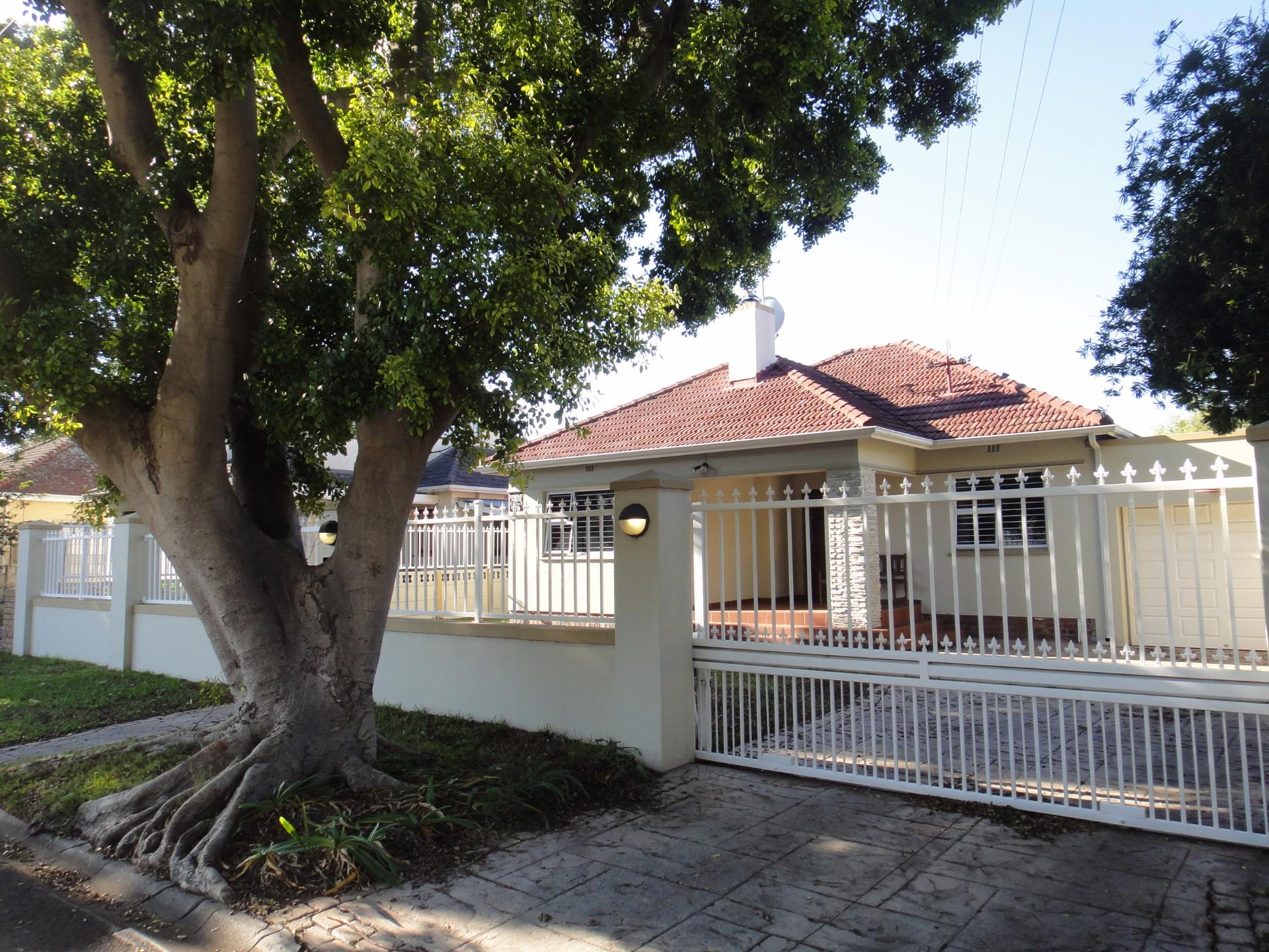 Cape Town, Plumstead Property  | Houses For Sale Plumstead, Plumstead, House 3 bedrooms property for sale Price:2,850,000