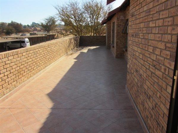 Property and Houses for sale in Die Wilgers, Apartment, 1 Bedrooms - ZAR 655,000