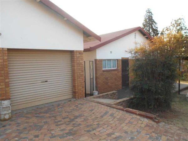 Property and Houses for sale in Meyerspark, House, 7 Bedrooms - ZAR 2,100,000