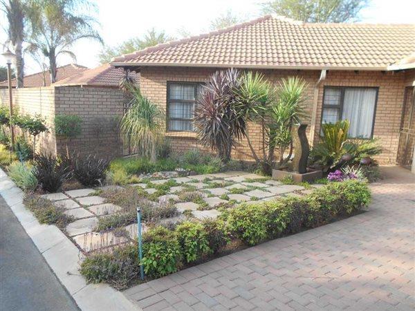 Pretoria, Equestria Property  | Houses For Sale Equestria, Equestria, Townhouse 3 bedrooms property for sale Price:1,950,000
