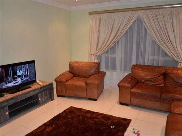 Willow Acres Estate property for sale. Ref No: 13456695. Picture no 5
