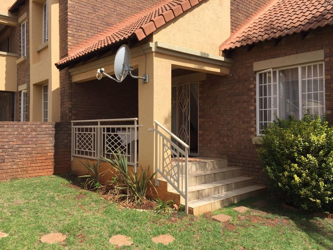 Pretoria, Mooikloof Ridge Property  | Houses To Rent Mooikloof Ridge, Mooikloof Ridge, Sectional Title 3 bedrooms property to rent Price:,  8,00*