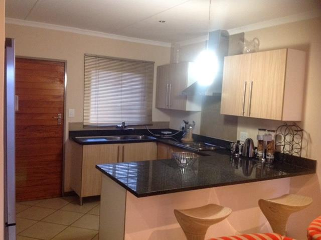 Property and Houses for sale in Mooikloof Ridge, Simplex, 3 Bedrooms - ZAR 1,250,000