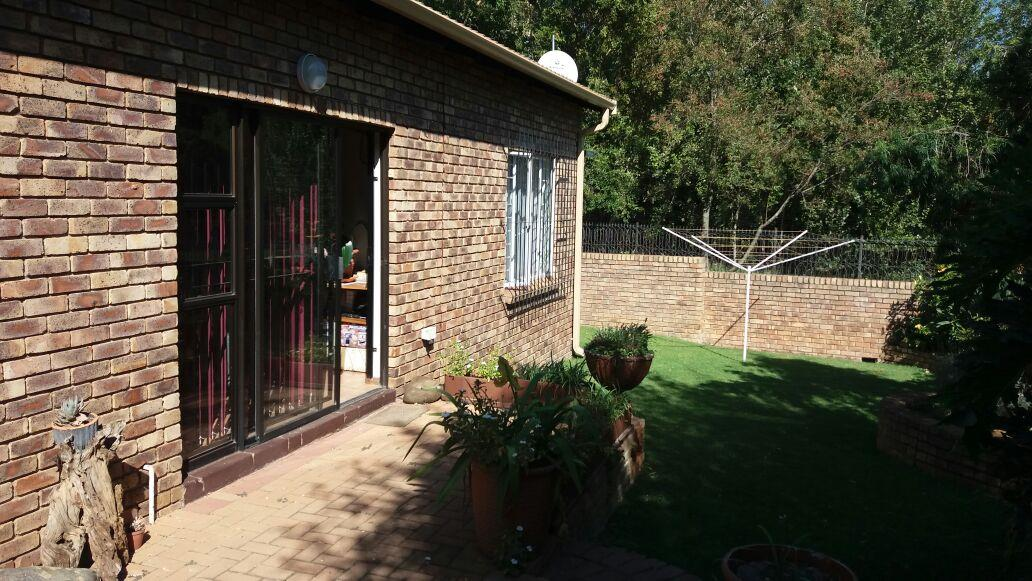 Pretoria, Garsfontein Property  | Houses For Sale Garsfontein, Garsfontein, Townhouse 3 bedrooms property for sale Price:1,485,000