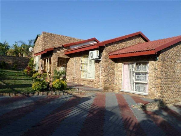 Nelspruit, Stonehenge Property  | Houses For Sale Stonehenge, Stonehenge, House 6 bedrooms property for sale Price:1,595,000