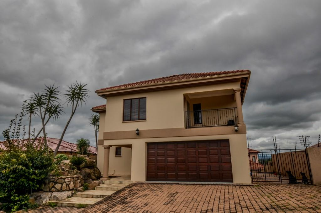 Nelspruit, Stonehenge Property  | Houses For Sale Stonehenge, Stonehenge, Townhouse 3 bedrooms property for sale Price:1,750,000