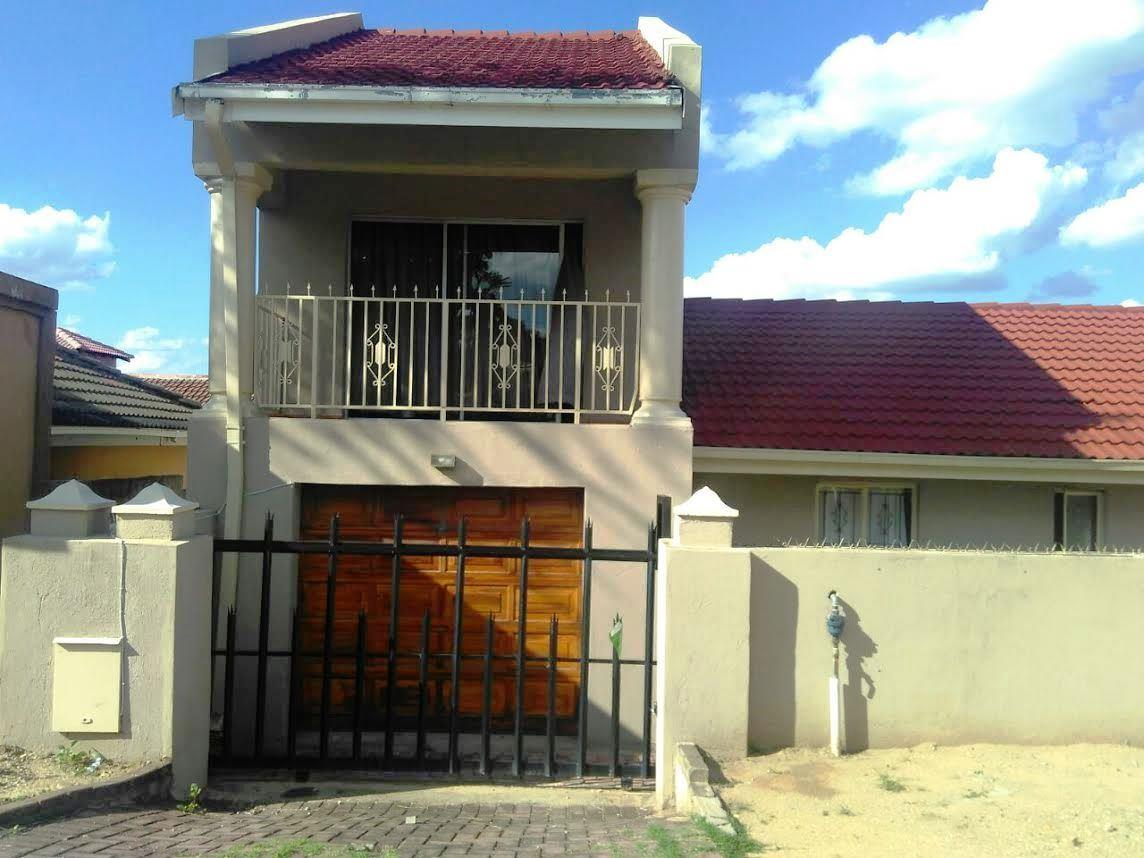 Nelspruit, Kamagugu Property  | Houses For Sale Kamagugu, Kamagugu, House 4 bedrooms property for sale Price:795,000