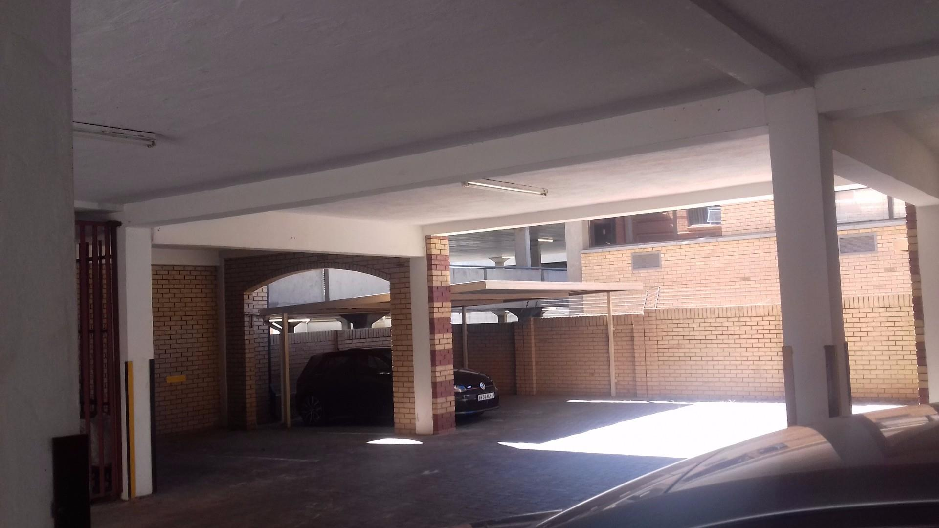 Nelspruit property to rent. Ref No: 13478009. Picture no 2