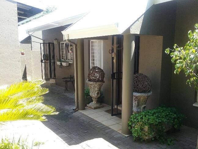 Nelspruit property for sale. Ref No: 13491877. Picture no 12