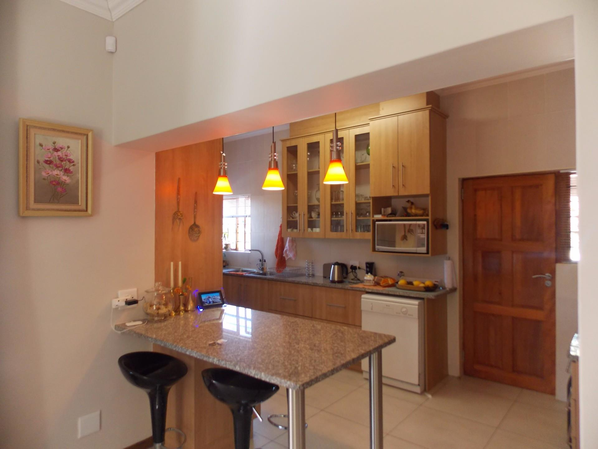 Stonehenge property for sale. Ref No: 13498865. Picture no 6