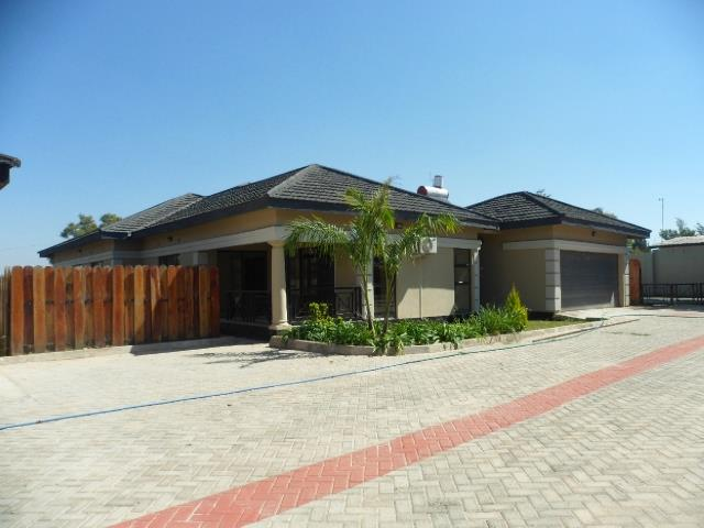 Lusaka, Chudleigh Property  | Houses To Rent Chudleigh, Chudleigh, House 4 bedrooms property to rent Price:,  3,00*