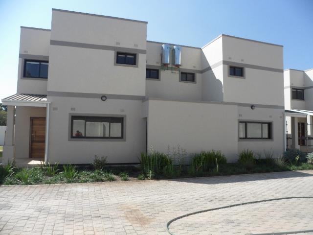 Lusaka, Kabulonga Property    Houses To Rent Kabulonga, Kabulonga, Duplex 3 bedrooms property to rent Price:,  2,00*