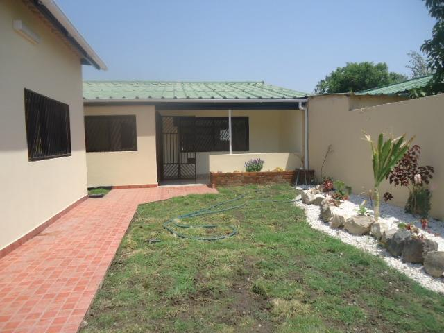 Lusaka, Northmead Property  | Houses To Rent Northmead, Northmead, House 3 bedrooms property to rent Price:,  1,00*
