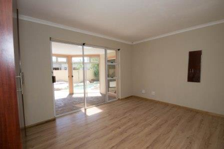 Table View property for sale. Ref No: 13448330. Picture no 4
