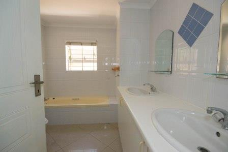 Table View property for sale. Ref No: 13448330. Picture no 5