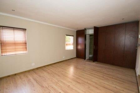 Table View property for sale. Ref No: 13448330. Picture no 6