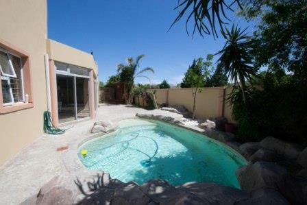 Table View property for sale. Ref No: 13448330. Picture no 12