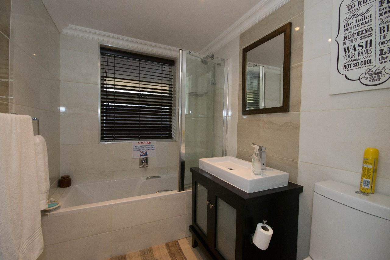 pictures of contemporary bathrooms house for in blouberg rise 4 bedroom 13448333 10 6 19977