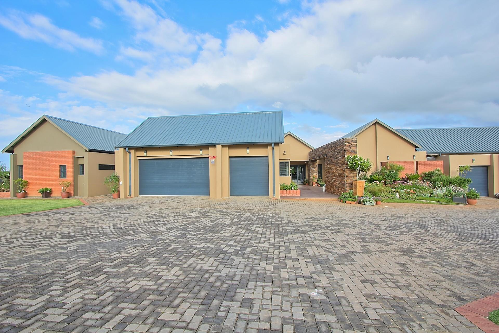 6 Elliodor, Dunblane Lifestyle & Equestrian Estate, Kempton Park - ZAF (photo 2)