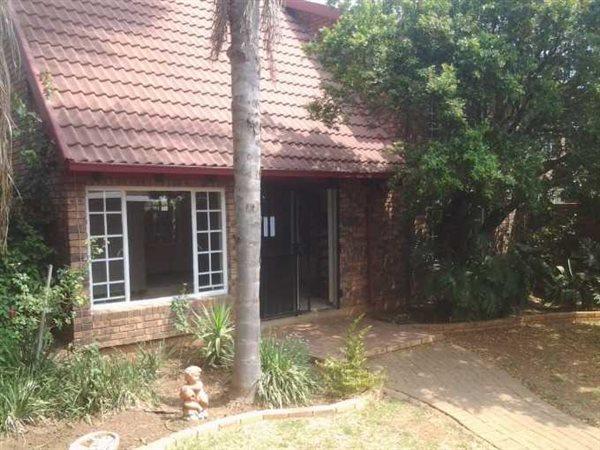 Pretoria, Kilner Park Property    Houses To Rent Kilner Park, Kilner Park, Duplex 3 bedrooms property to rent Price:,  9,00*