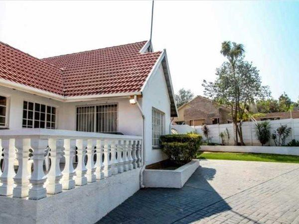 Roodepoort, Constantia Kloof Property  | Houses For Sale Constantia Kloof, Constantia Kloof, House 3 bedrooms property for sale Price:2,100,000