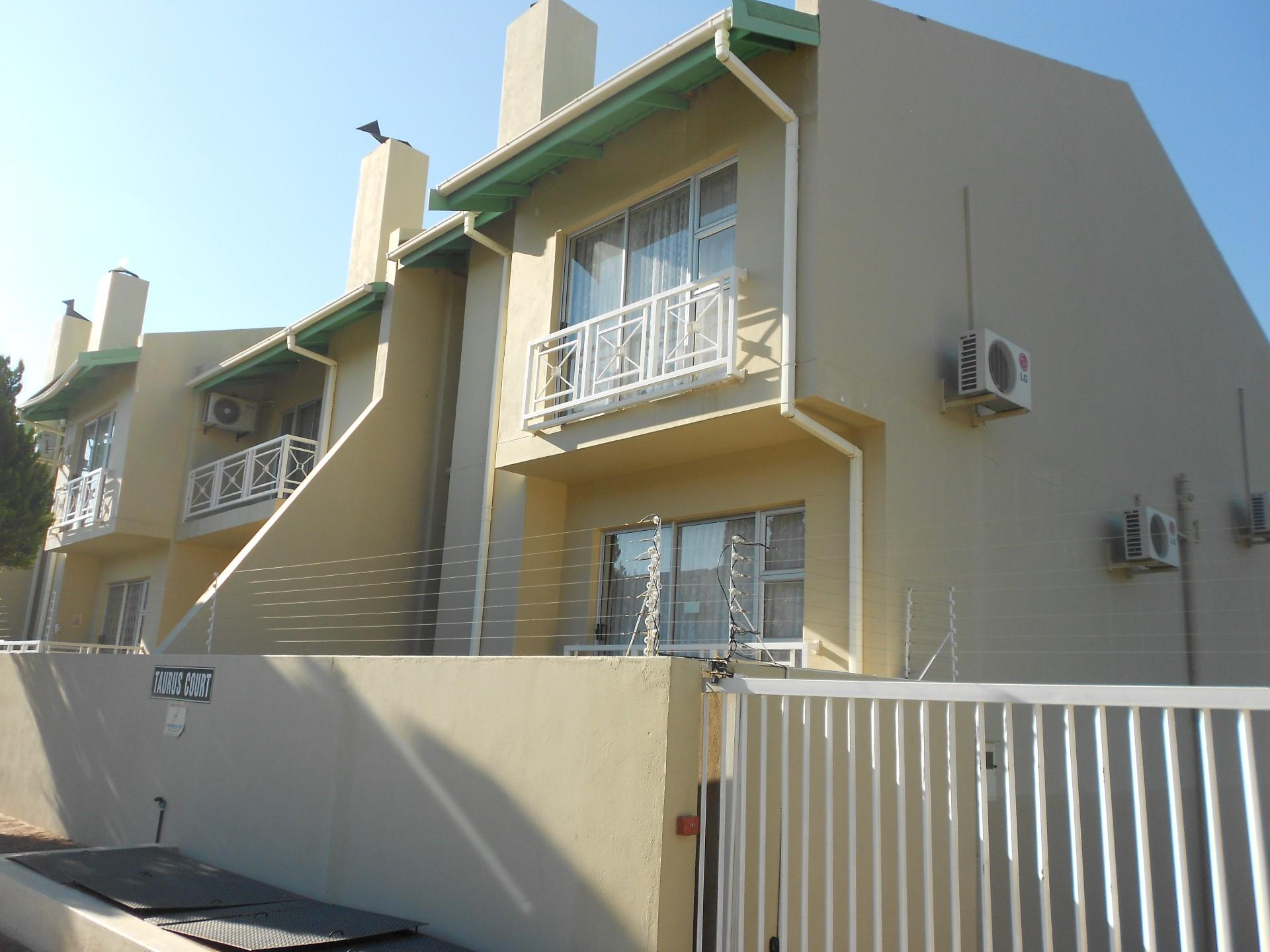 4 Bedroom Duplex For Sale in Klein Windhoek