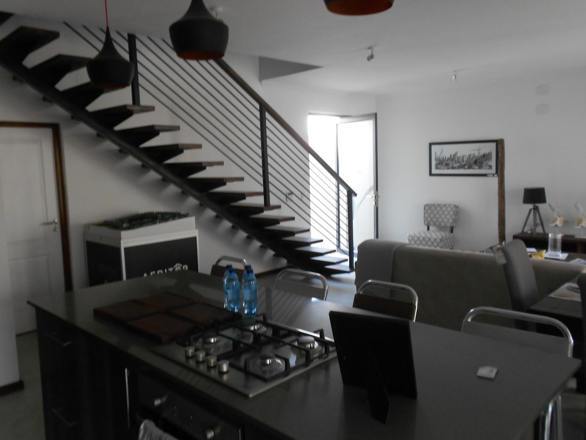 3 Bedroom Townhouse To Rent in Kleine Kuppe