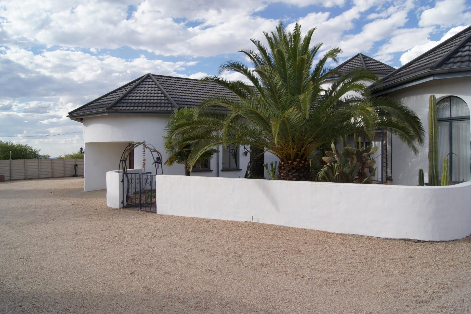 10 Bedroom House For Sale in Brakwater