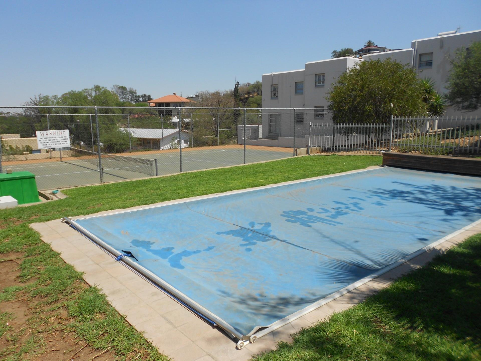 2 Bedroom Townhouse For Sale in Klein Windhoek