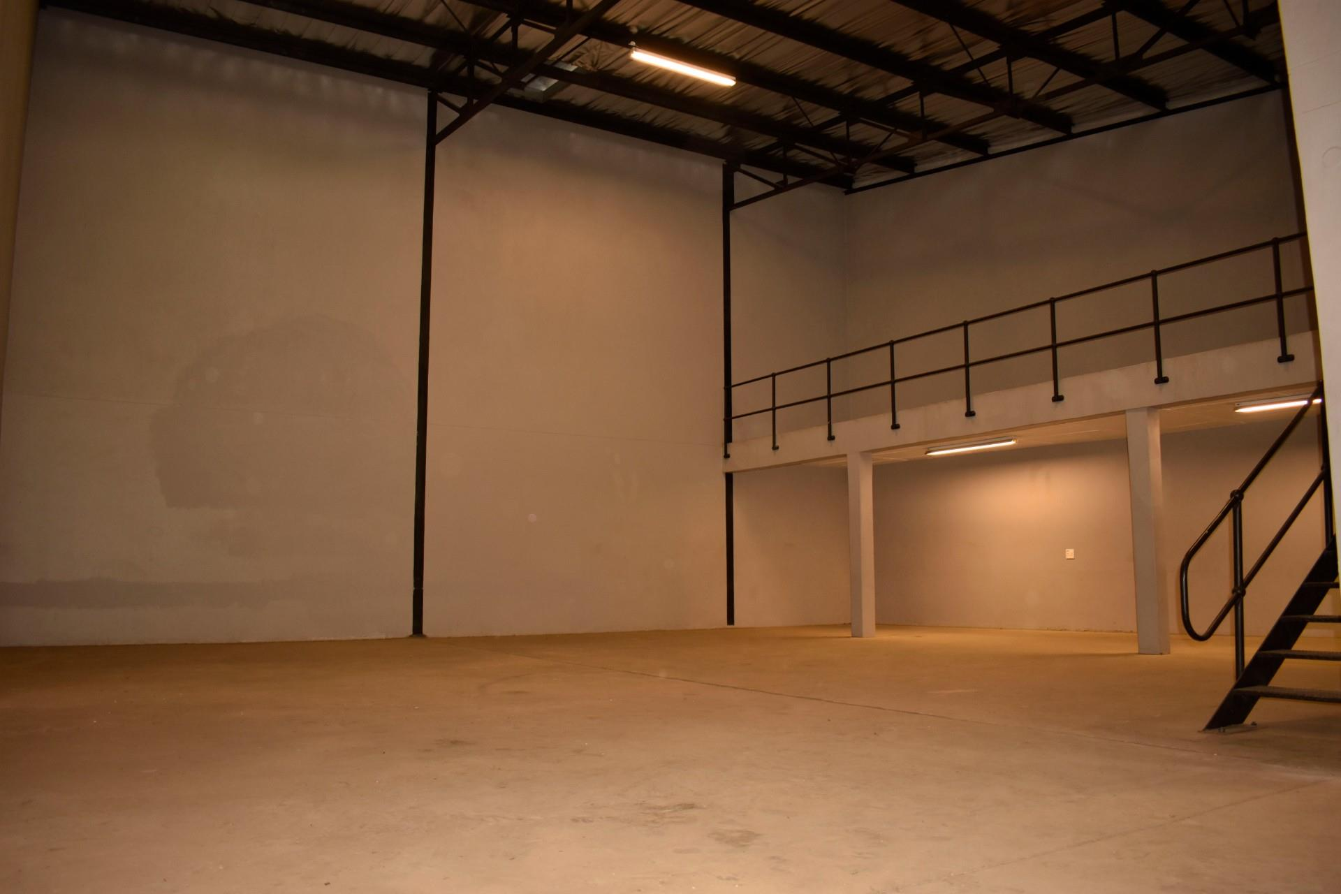 Warehouse in Northern Industrial To Rent
